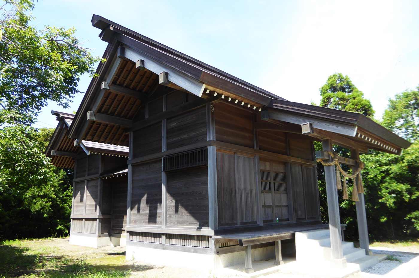 藤原神社拝殿と本殿の画像