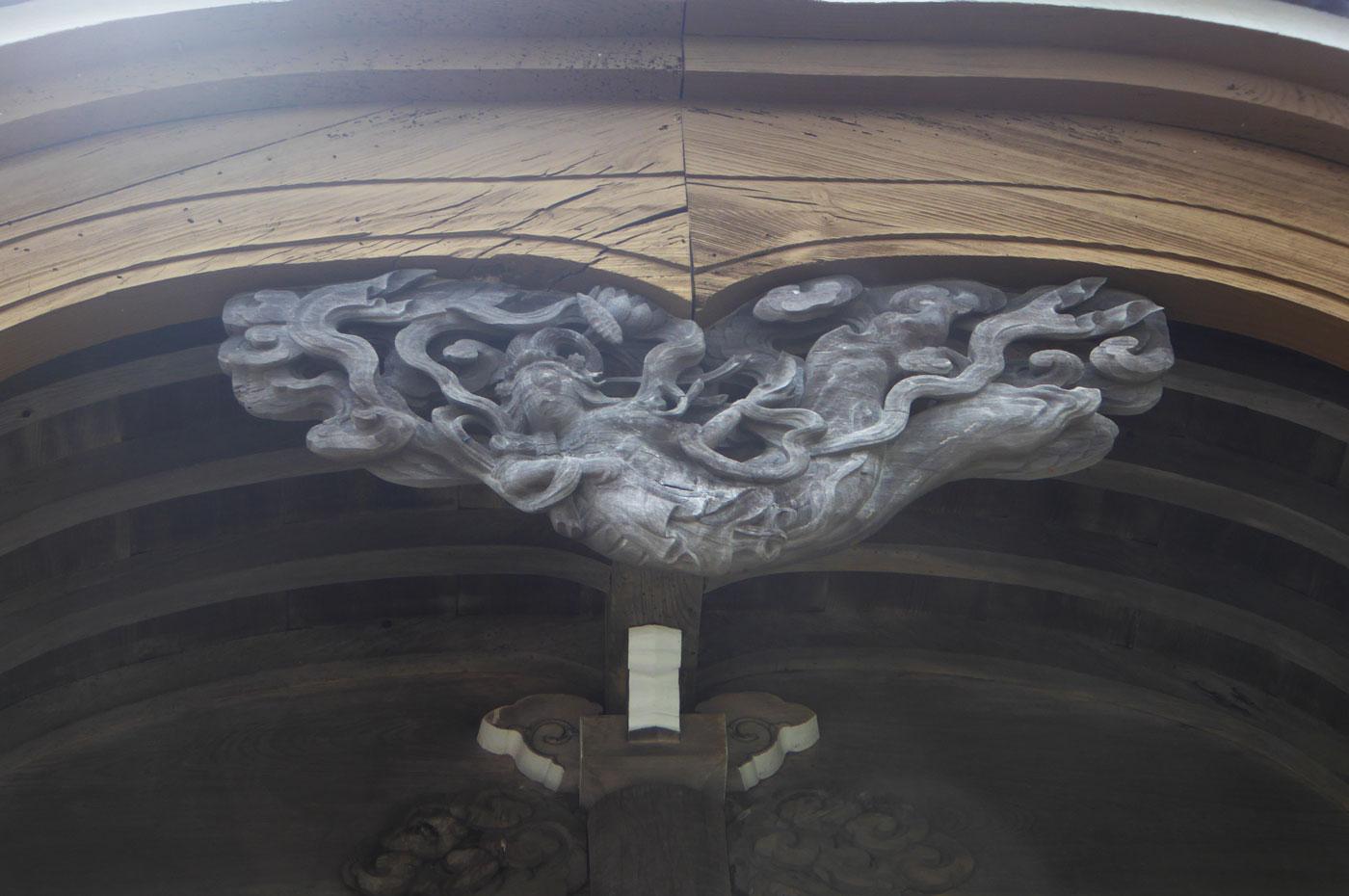 高生寺向拝の彫刻の画像