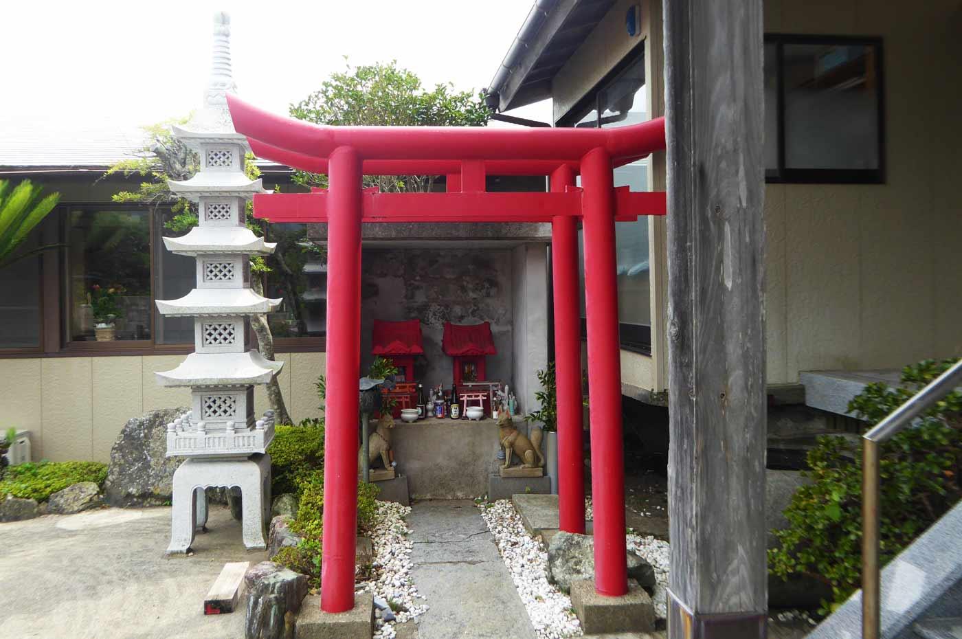 高生寺稲荷社の画像