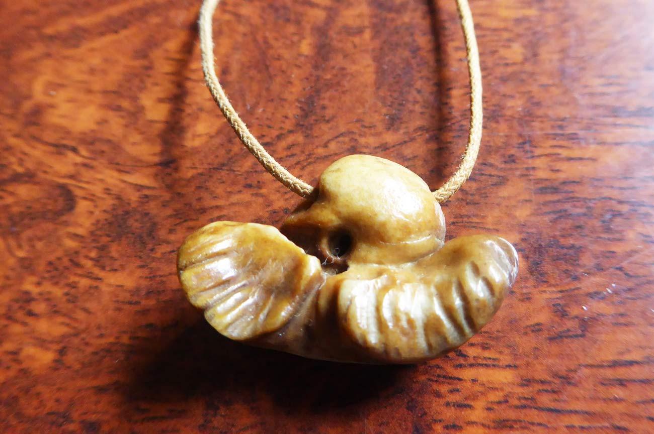 イルカの耳骨(布袋石)の画像
