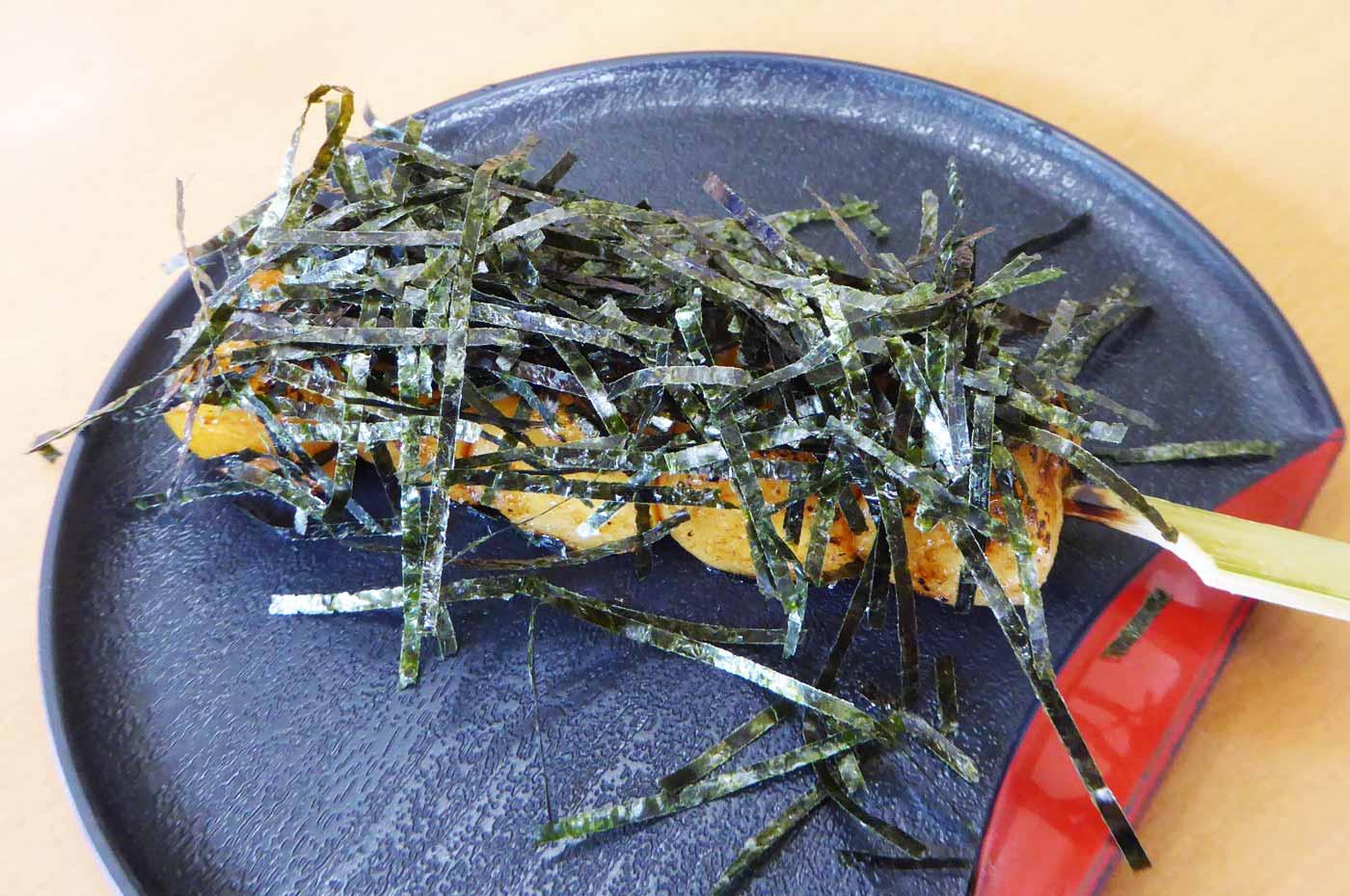 宮醤油と千葉海苔の焼き団子の画像