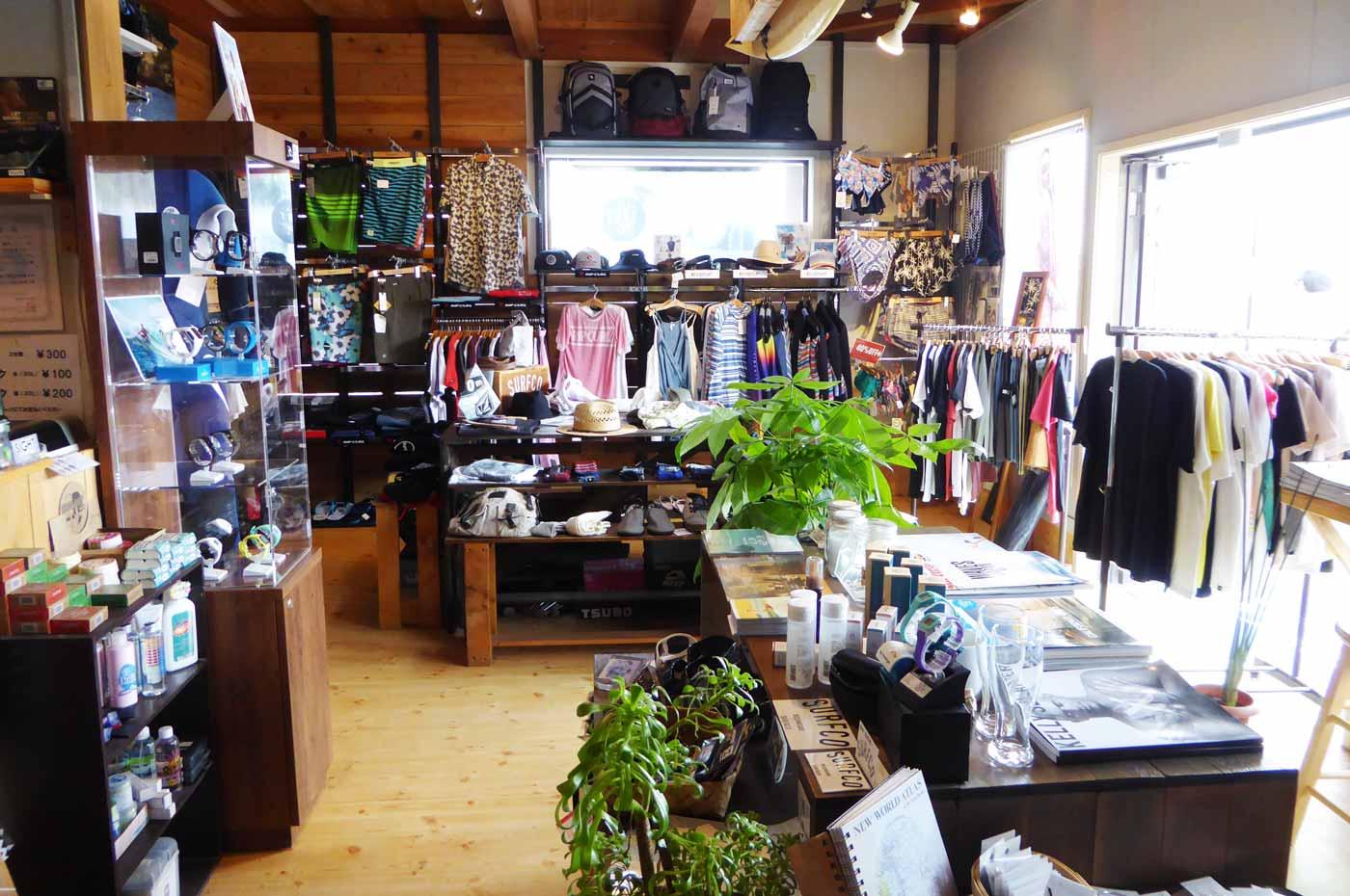 Tシャツ・サーフグッツ売場の画像