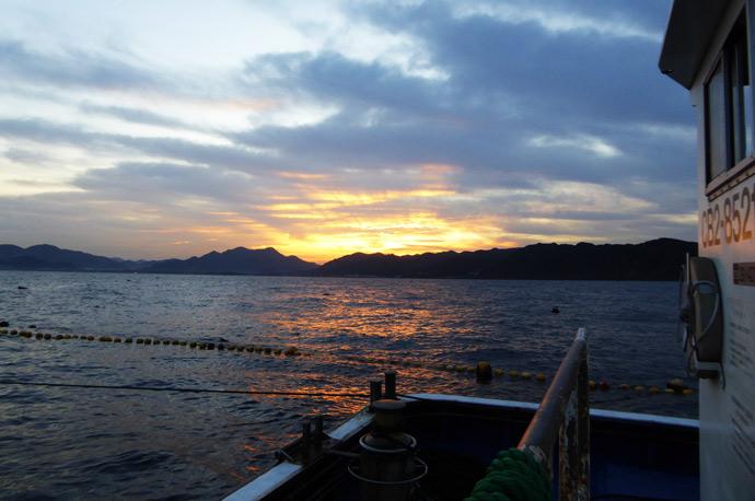 海上から見る日の出