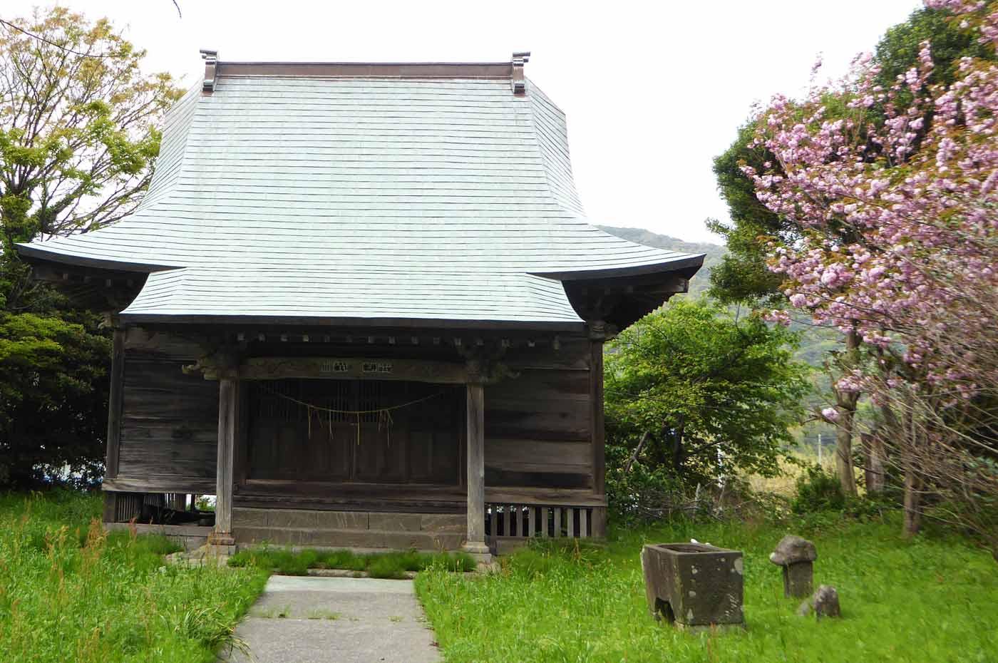鶴ヶ浜八幡神社拝殿の画像