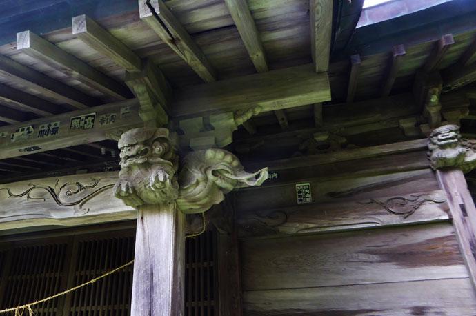 鶴ヶ浜八幡神社の左の木鼻の画像