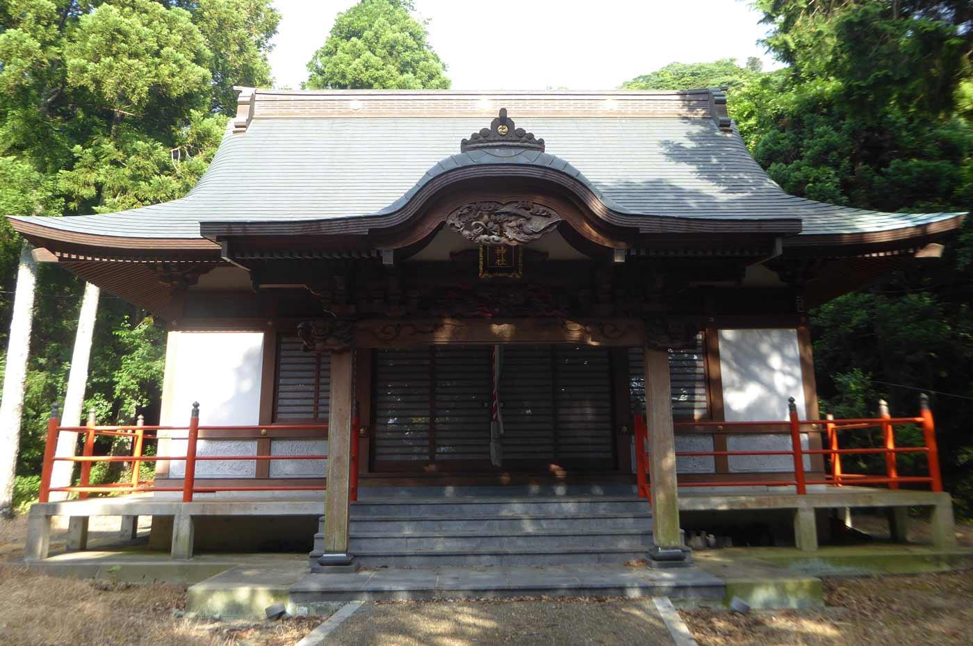 打墨神社拝殿を正面から撮影