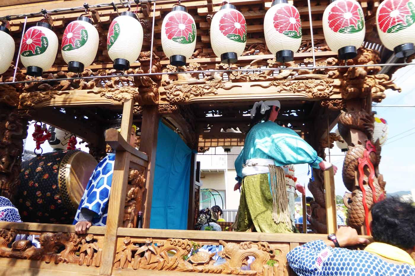 亀ヶ原の屋台の彫刻の画像