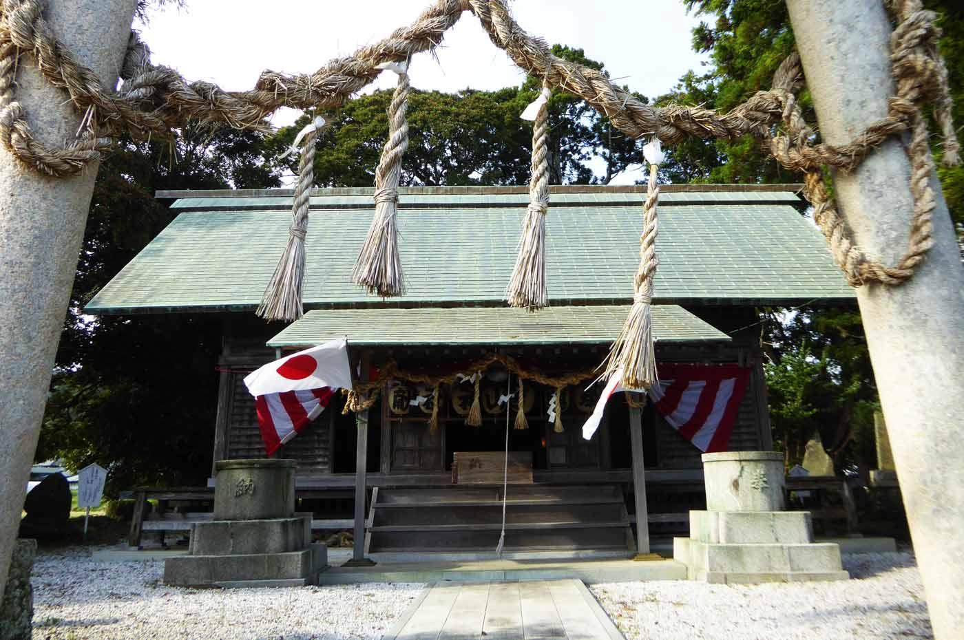 莫越山神社の拝殿アップ
