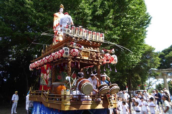 三嶋神社境内の山車