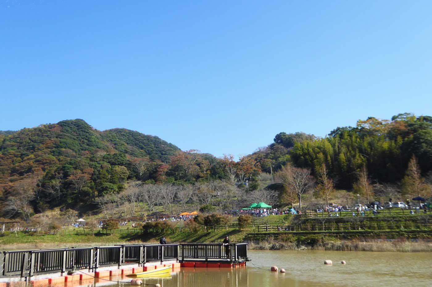 佐久間ダムの浮き橋の画像