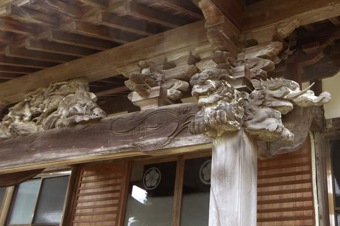 福性院本堂向拝の彫刻(左)