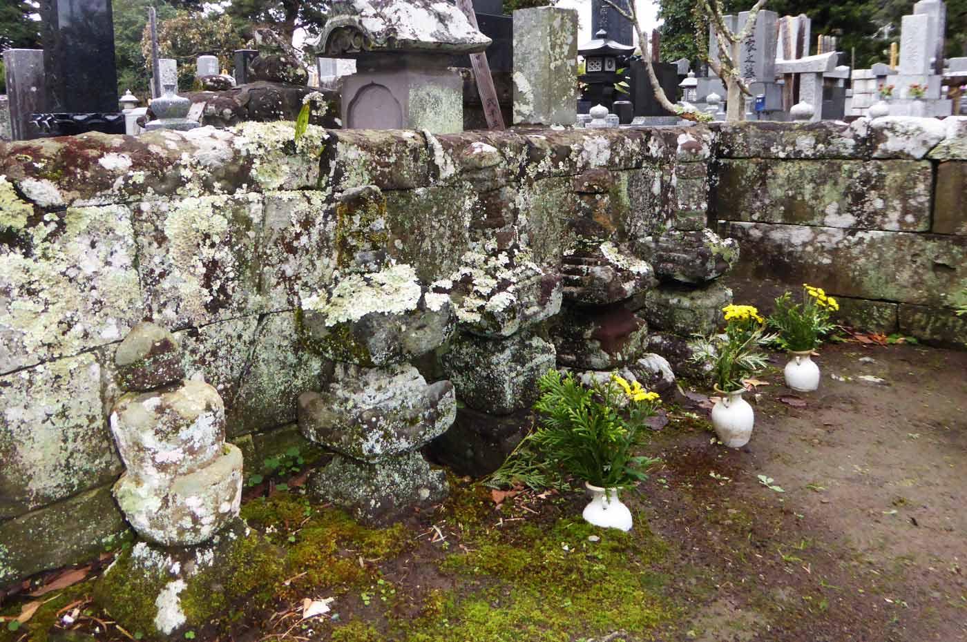 光厳寺の里見累代墓の画像