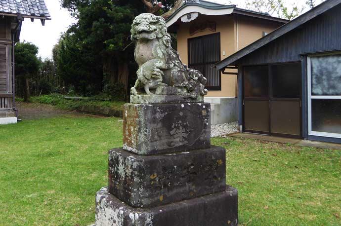 八雲神社の狛犬(右)の画像