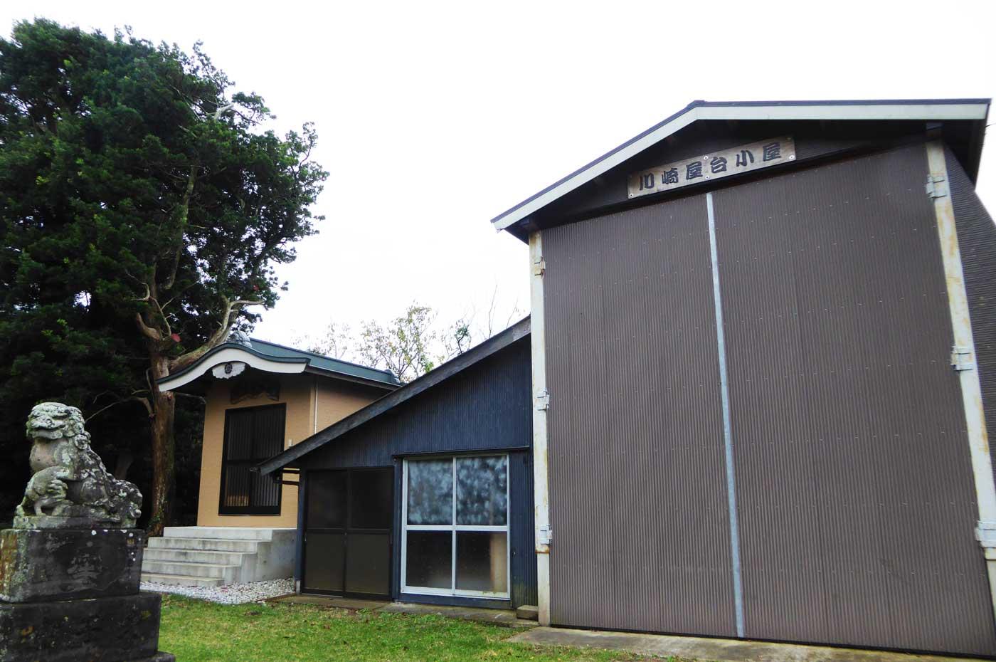 屋台小屋と神輿小屋の画像