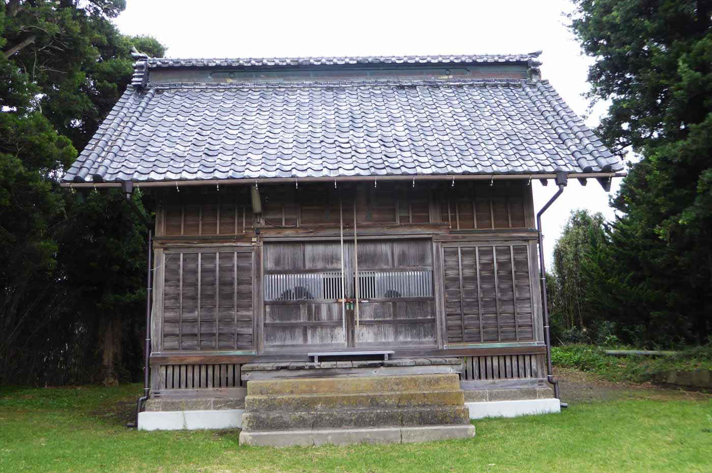 八雲神社拝殿のアップ画像