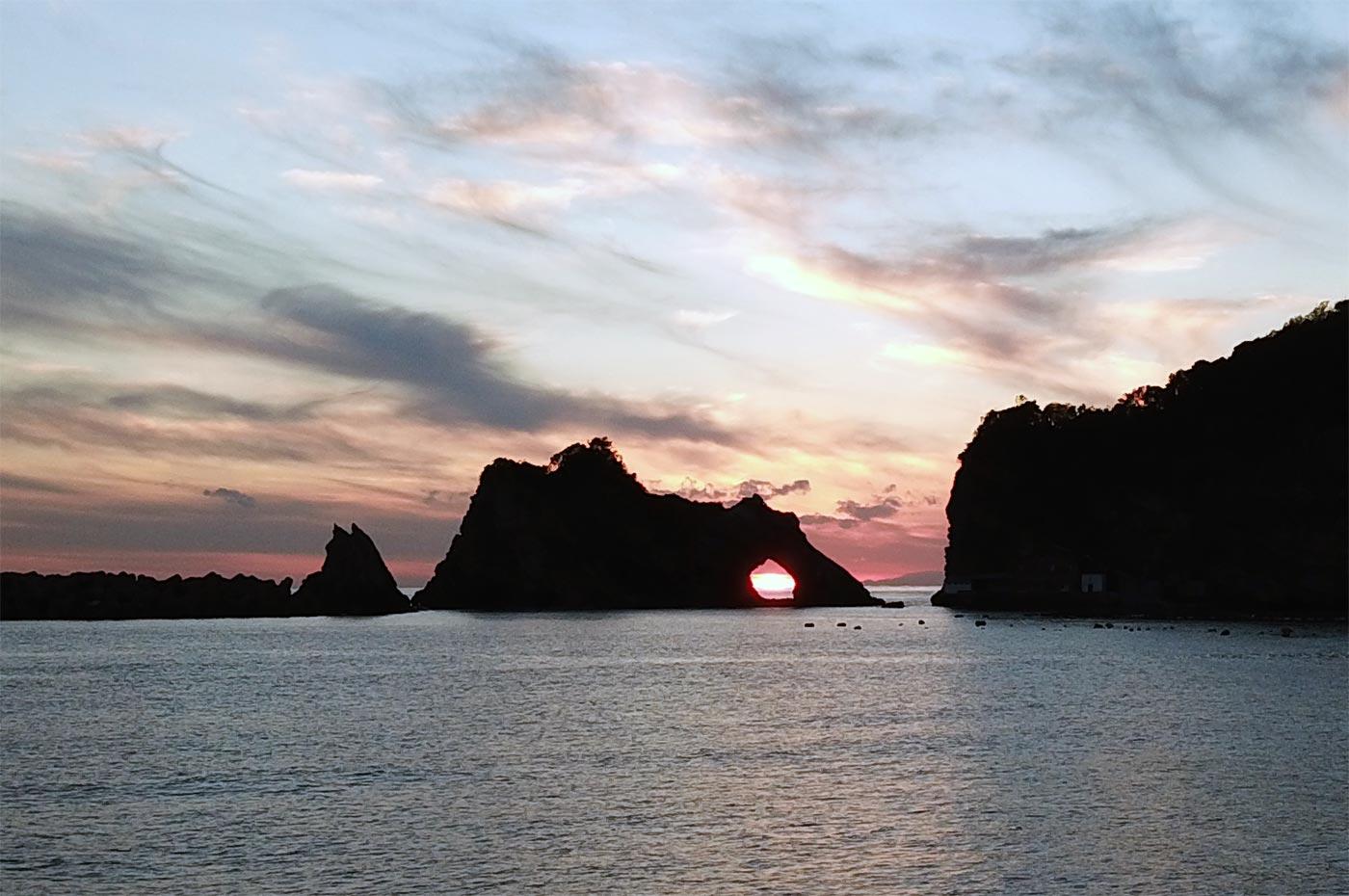 千葉県安房郡鋸南町浮島の夕日