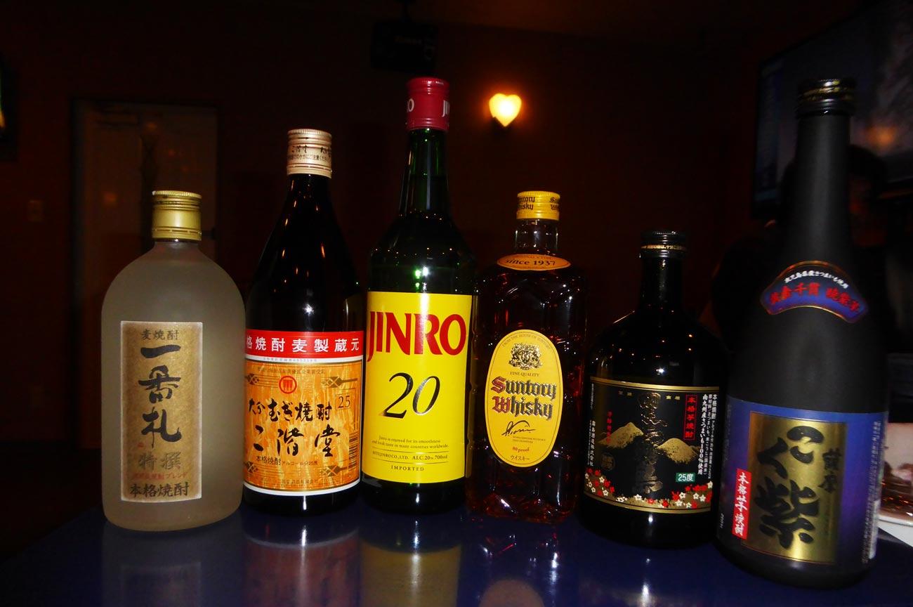 飲み放題の酒の画像