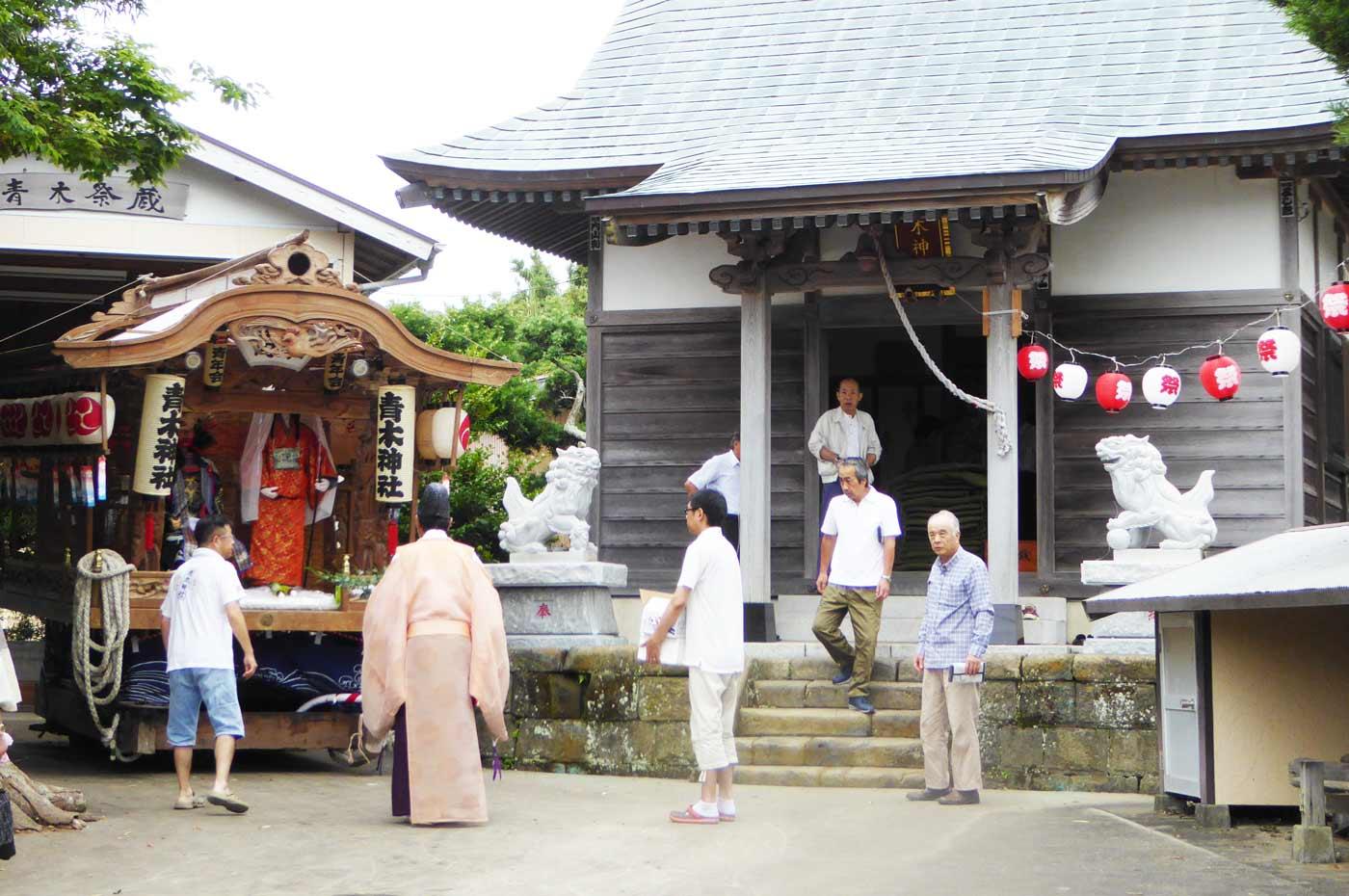 青木神社の祭礼の屋台の画像