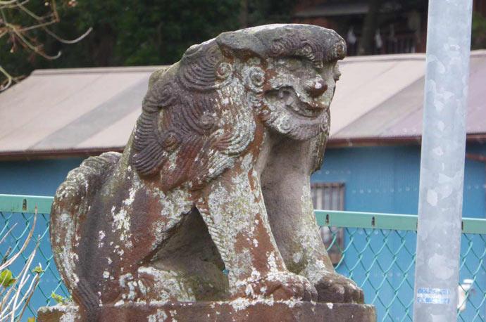 下立松原神社の狛犬(左)