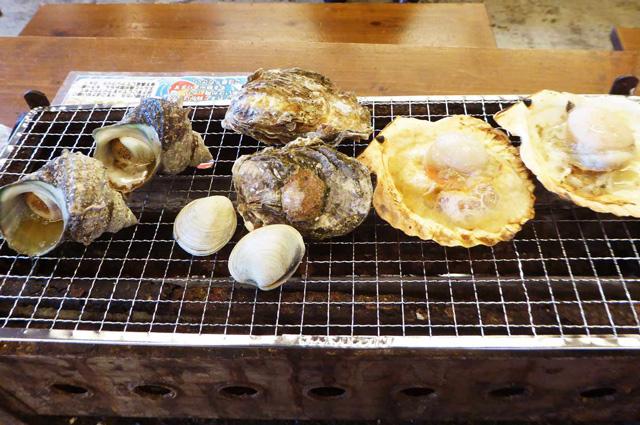 海女小屋の貝焼きの画像