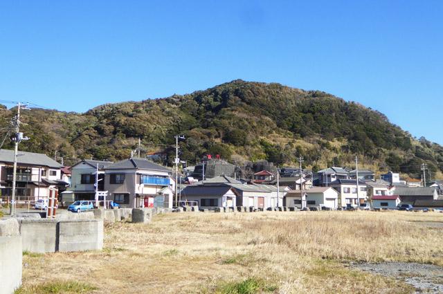 和田港から稲荷大明神を撮影