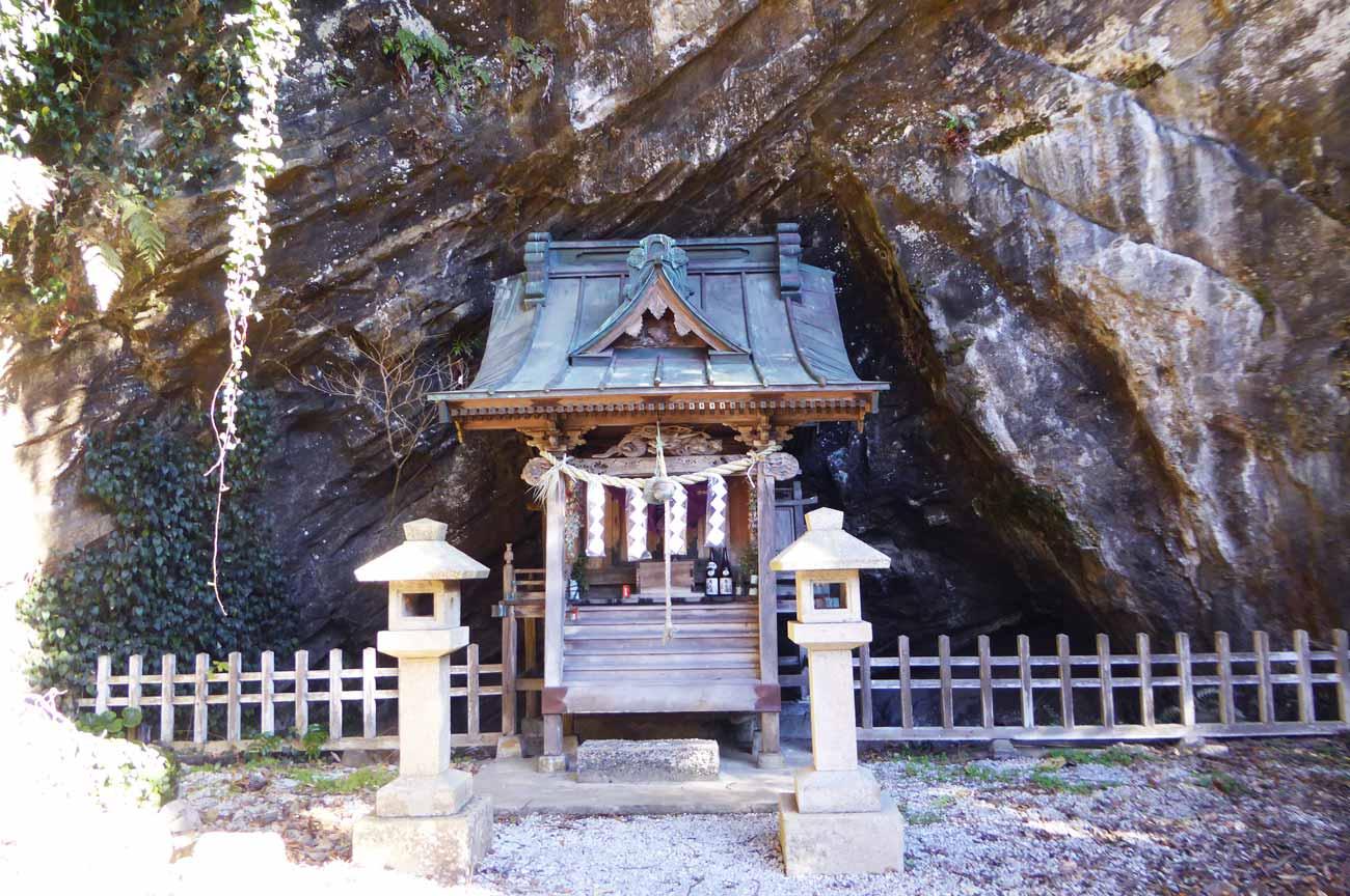 厳島神社拝殿の画像