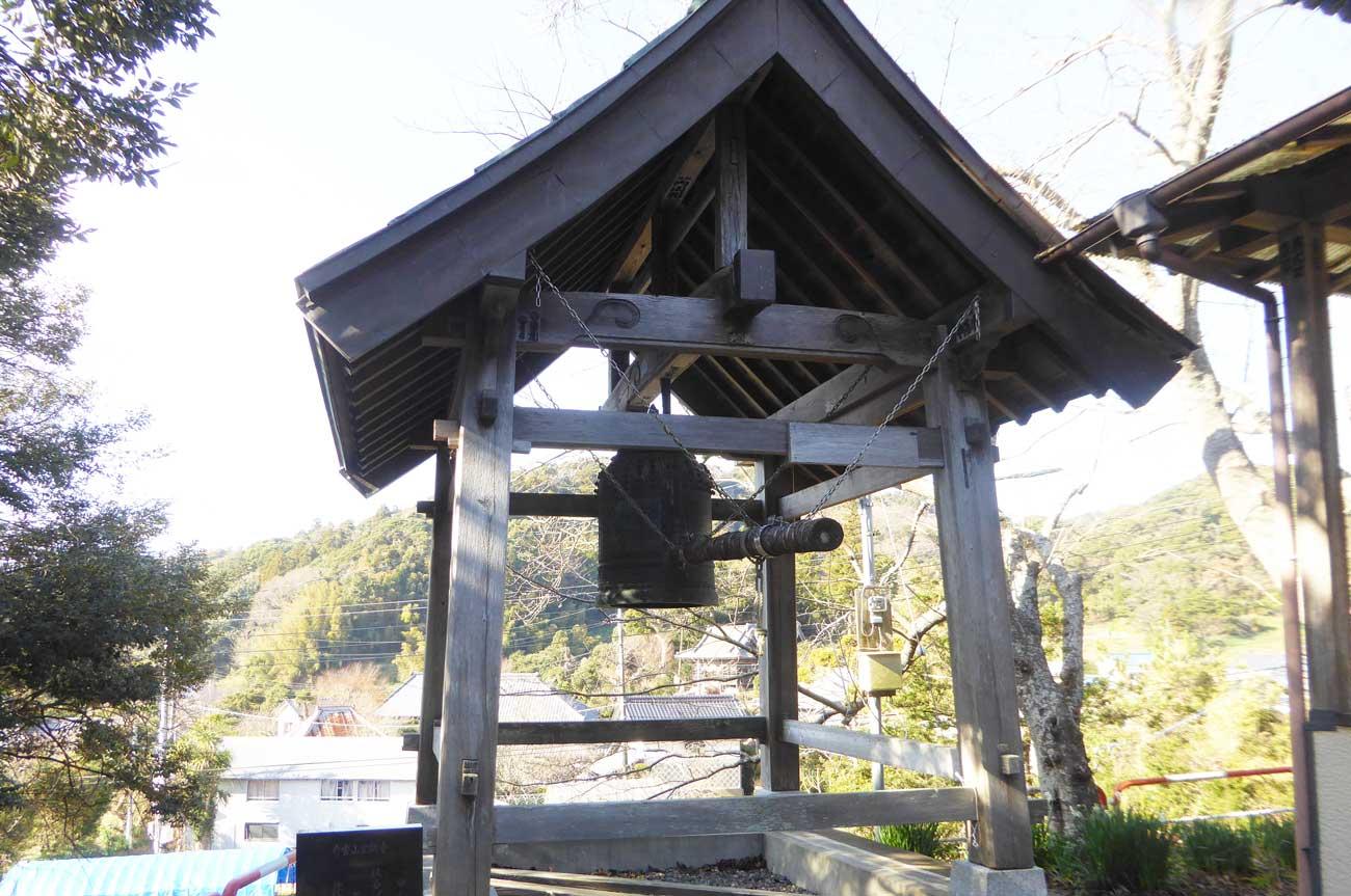 金銅寺梵鐘の画像