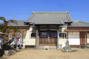 湊薬師堂の全景画像