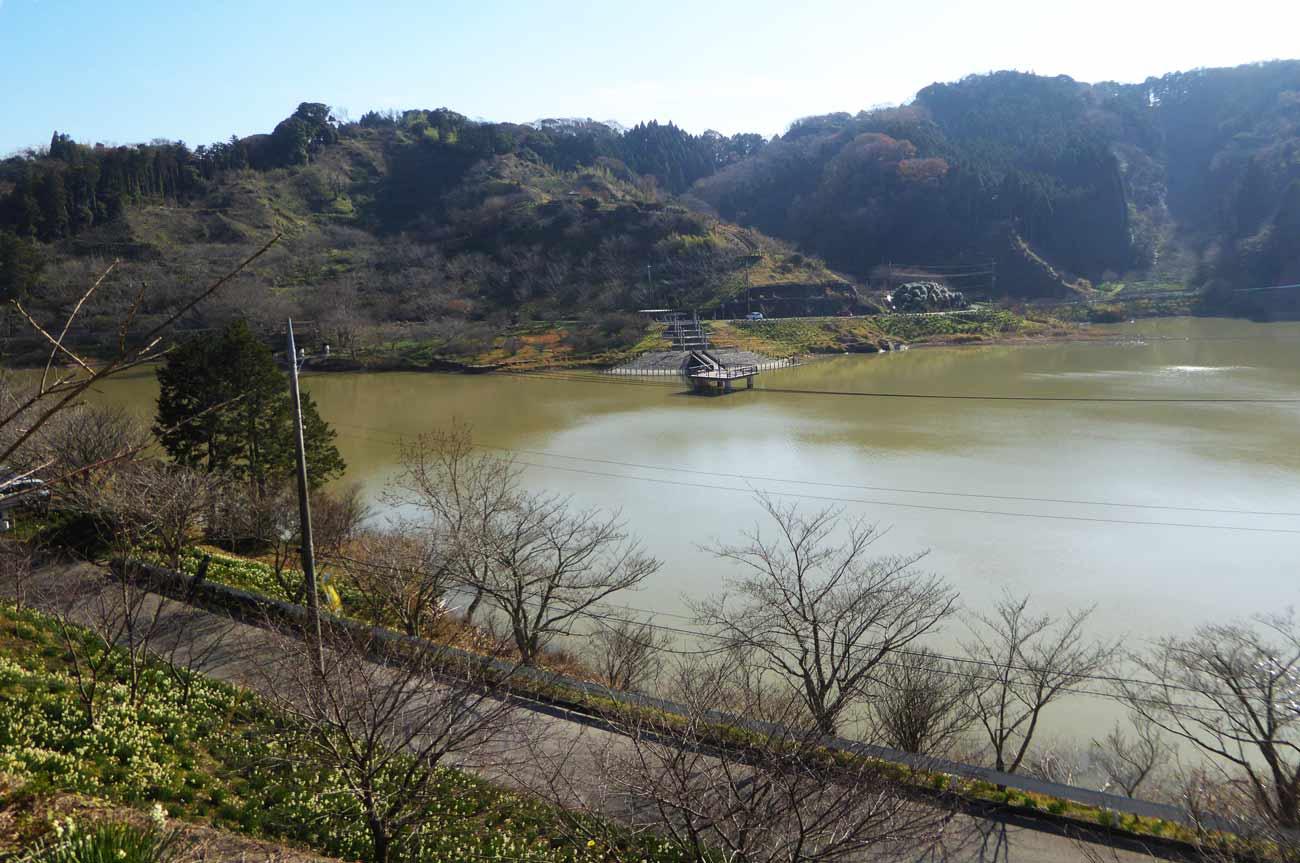 佐久間ダム湖畔の画像