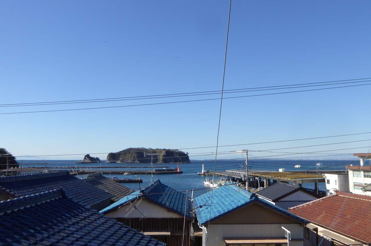 古峯神社より勝山漁港と富士山を見下ろす