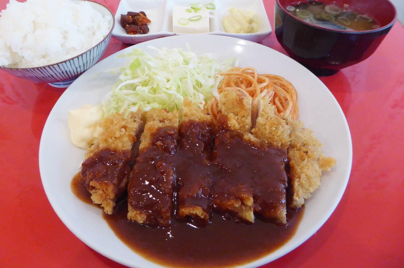 館山食堂のデミカツ(チキン)の画像
