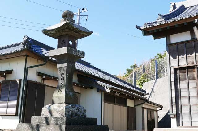 浅間神社常夜灯(左)の画像