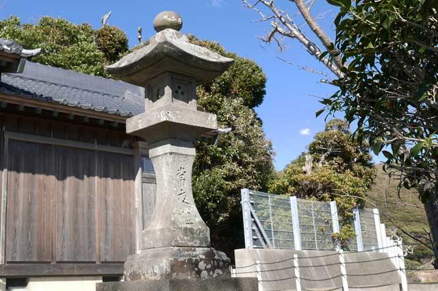 浅間神社常夜灯(右)の画像