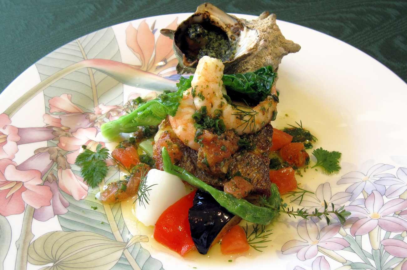 レストラン大澤のスズキのプロヴァンス風とサザエのオーブン焼きの画像