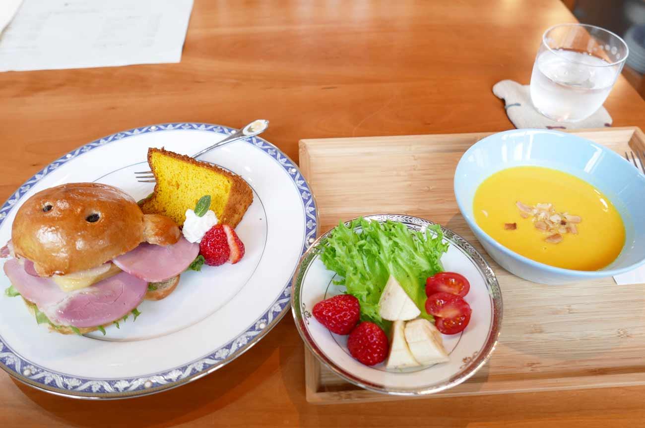 くまカフェのスープランチ