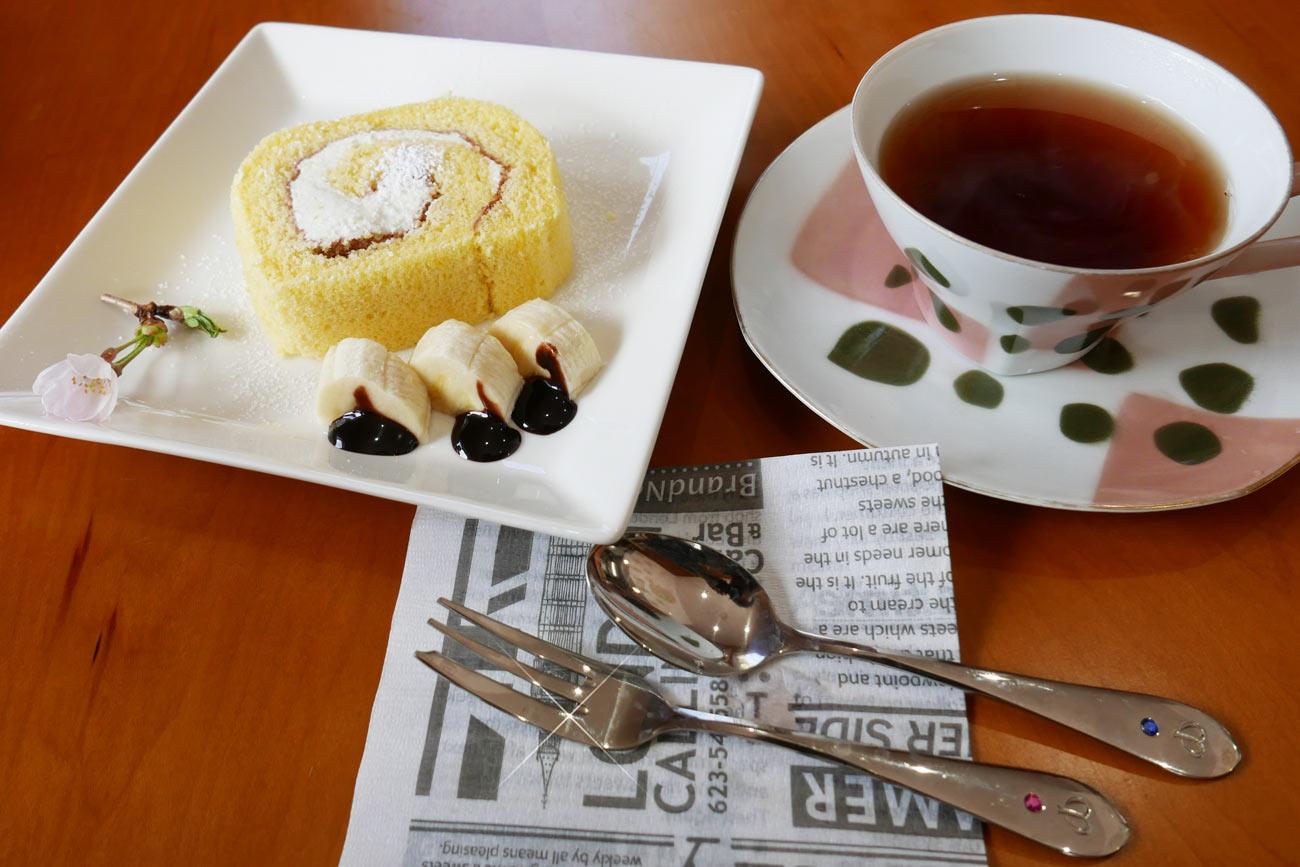 カフェ セレクトのケーキセットの画像