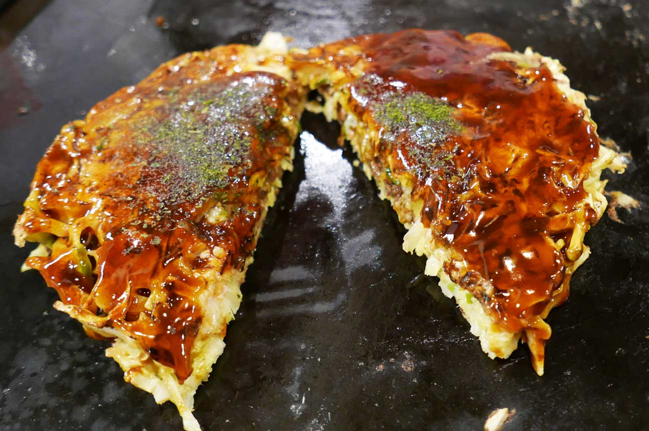 肉みそチーズお好み焼きの画像