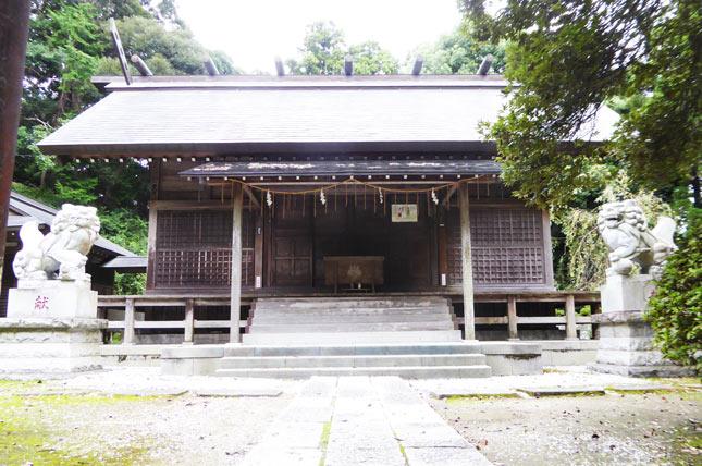 莫越山神社拝殿のアップ画像