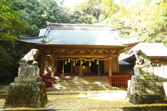 下立松原神社の拝殿の画像