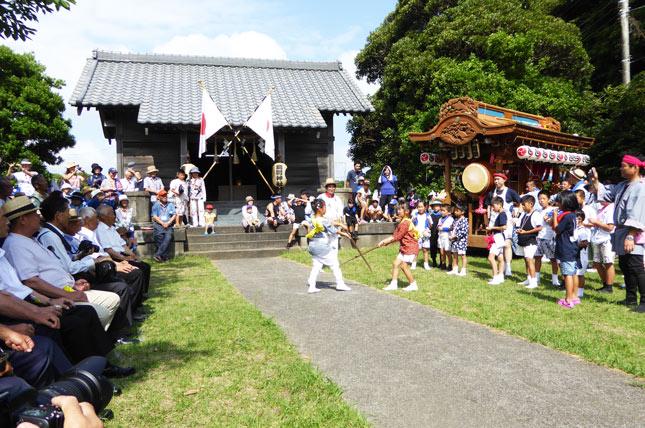 瀧渕神社の拝殿の画像