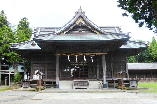 鶴谷八幡宮の拝殿の画像