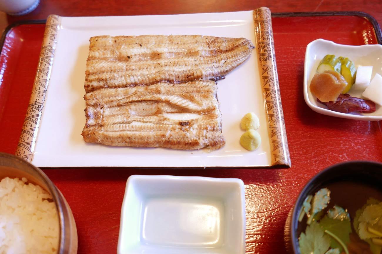 いづ喜の白焼きセットの画像
