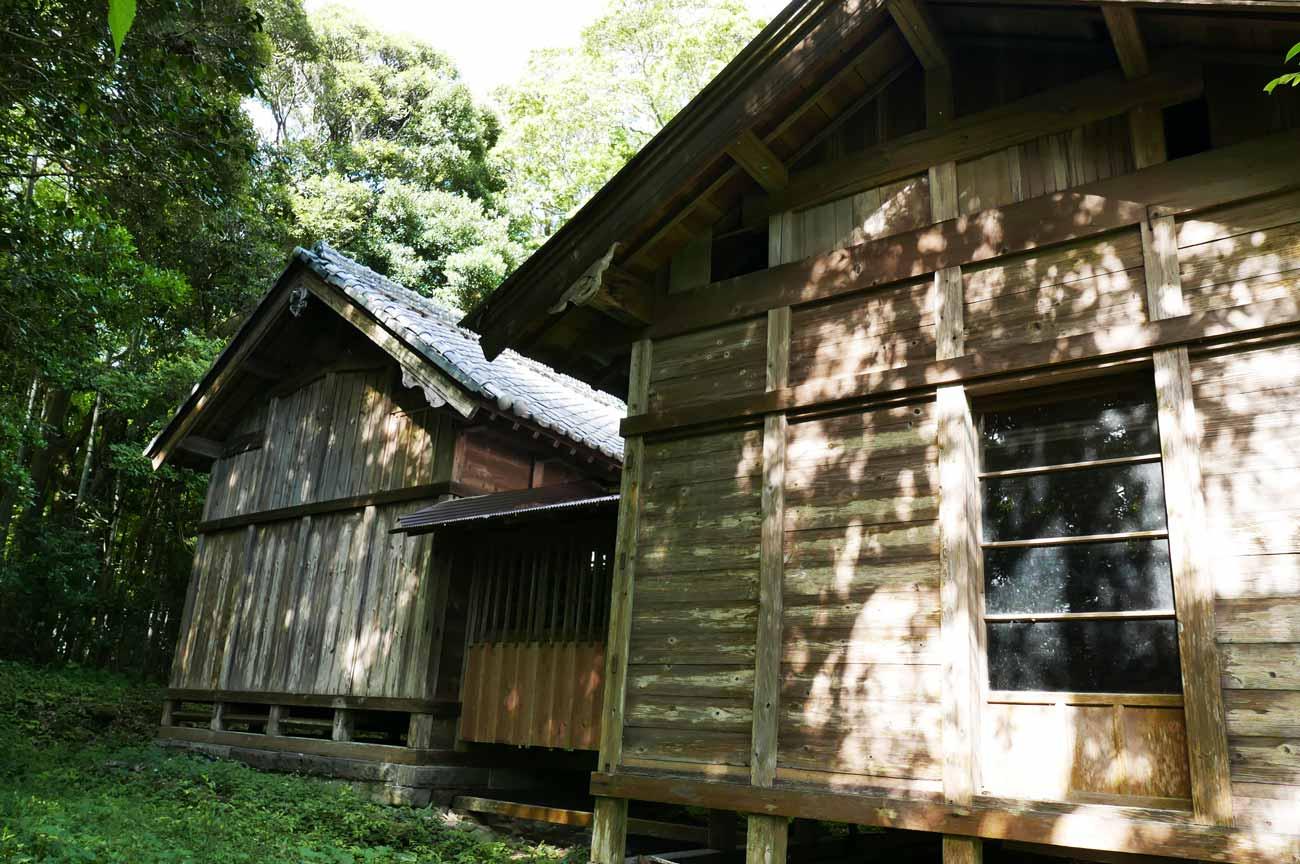 駒形神社本殿の画像
