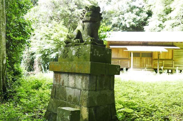 狛犬(左側)の画像