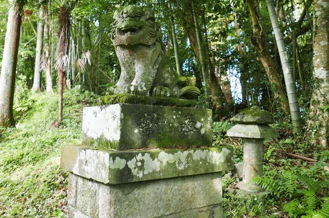 狛犬(右側)の画像