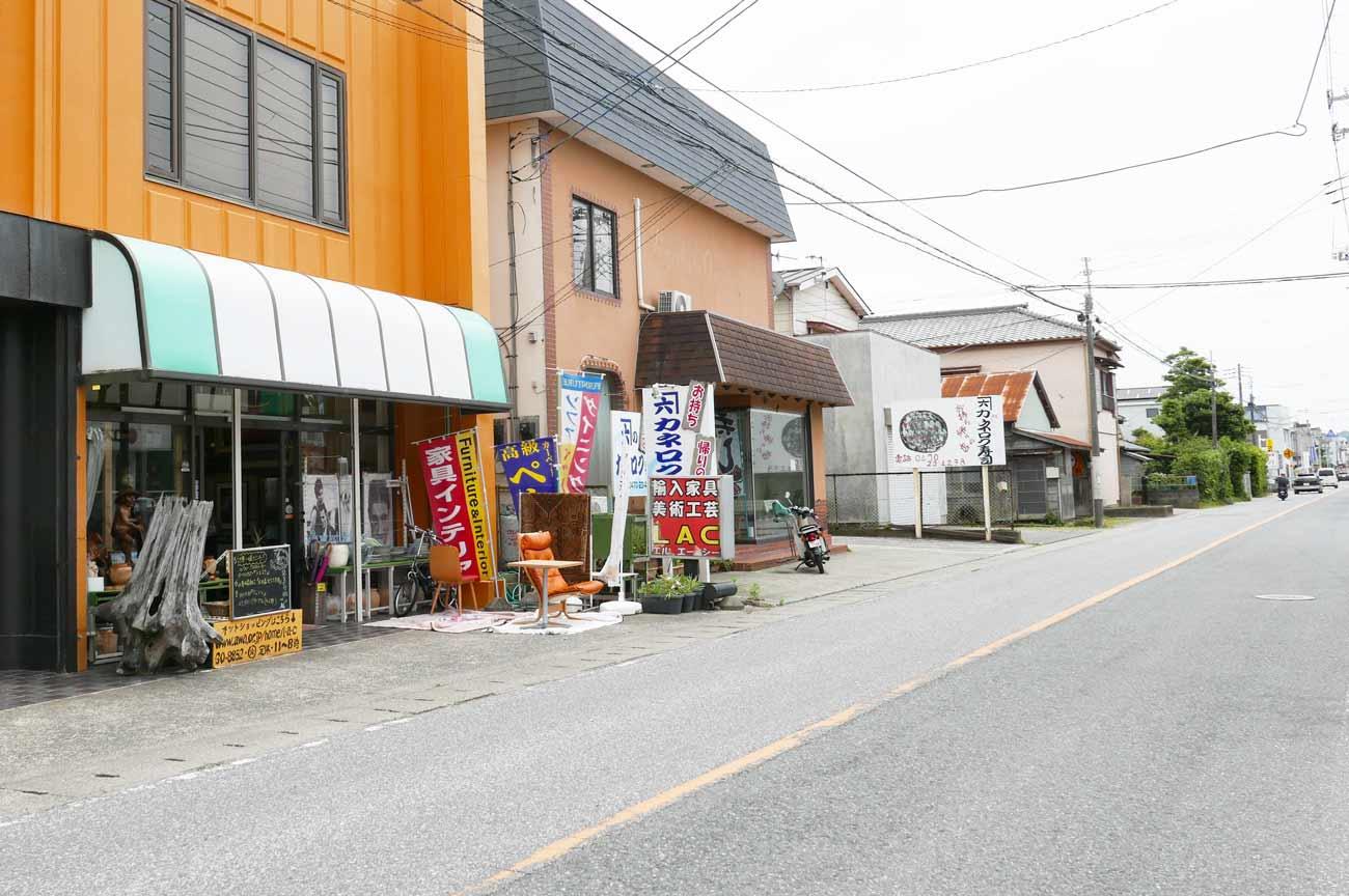LAC館山店の店舗外観
