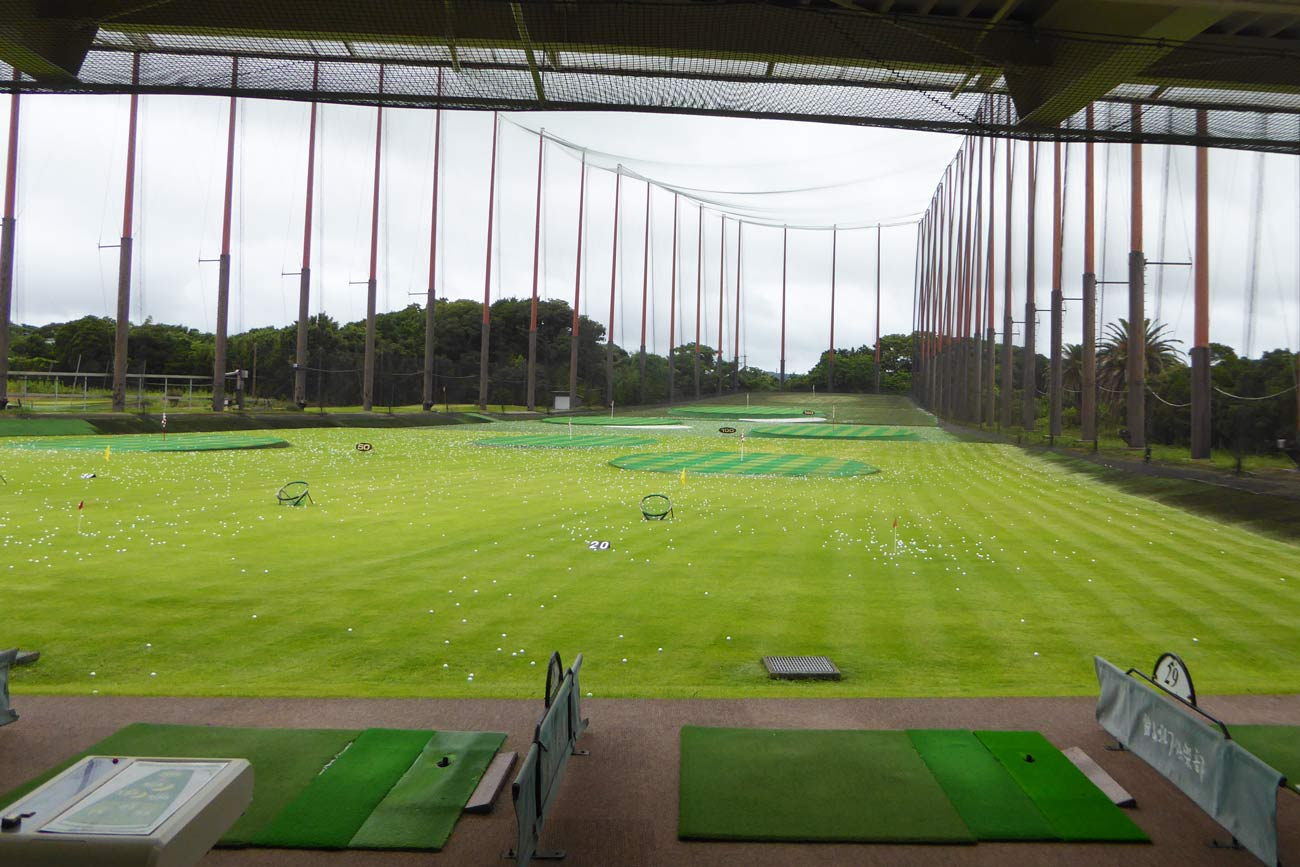 ゴルフ練習場の画像