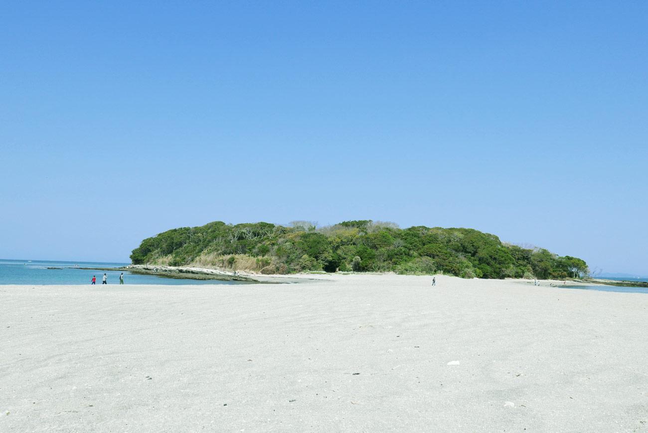 沖ノ島の全景画像