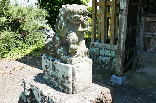狛犬(左)の画像