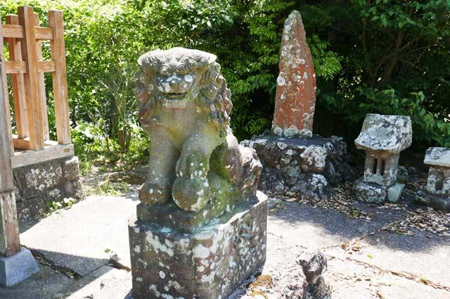 狛犬(右)の画像